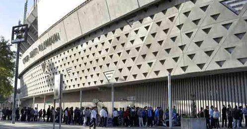 El betis pide que no se juegue el derbi el lunes de feria for Puerta 19 benito villamarin