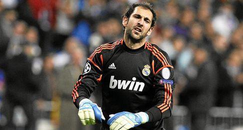 Según lo que ofrecería el Milan, Diego López habría doblado su cotización.