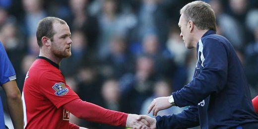 Moyes saluda a Rooney a la conclusión de un Everton-Man United.