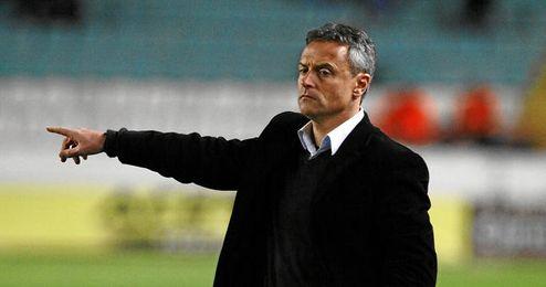 Fran Escribá puede llevar al Elche a Primera 25 años después.