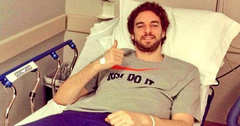 Pau ya se recupera de su operación en ambas rodillas.