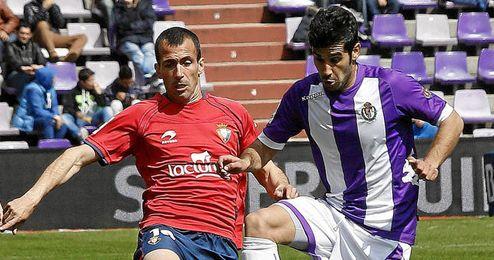 Puñal durante el encuentro ante el Valladolid.