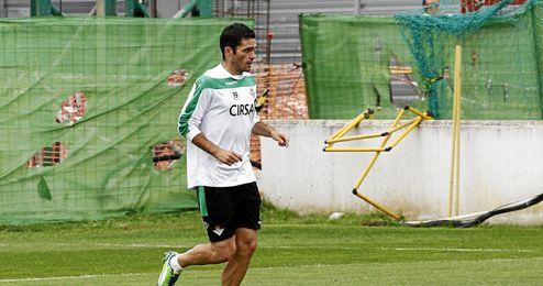 Jorge Molina vuelve a la convocatoria.