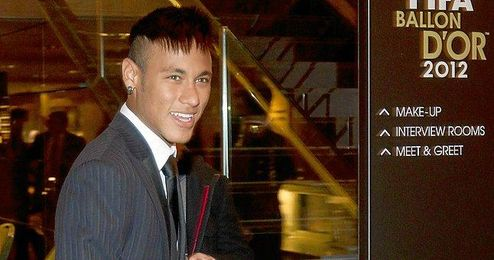Neymar confirma que el lunes firmará con el FC Barcelona