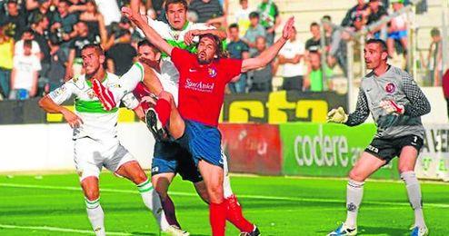 El Olot, campeón del Grupo V de Tercera, perdió en su eliminatoria de campeones frente al Elche Ilicitano.