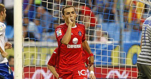 Diego Castro celebra uno de los ocho goles que ha anotado esta campaña en Primera División.