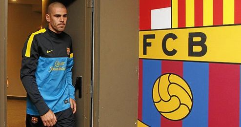 Víctor Valdés cumplirá el año que le queda en el Barcelona.