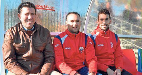 Diego Román continuará una temporada más en el banquillo del Cabecense tras renovar su compromiso.
