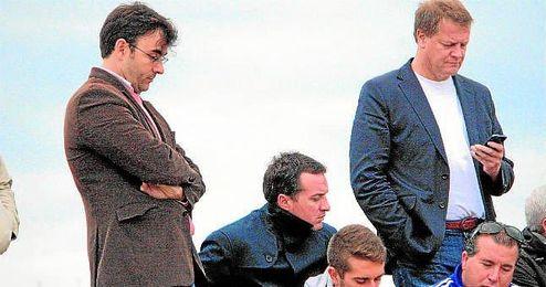 Pelayo Morón (izquierda), director deportivo del Alcalá, ha sido el encargado de hablar con el Sevilla.