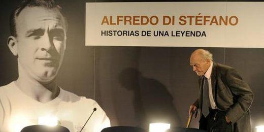 El astro del fútbol, Alfredo Di Stéfano, toda una leyenda madridista.