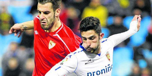 Álvaro González tiene pocas opciones de coincidir con Negredo.