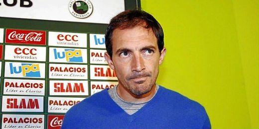 Pedro Munitis se encuentra entre los ex jugadores que quieren tomas las riendas del club.