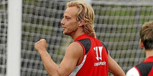 Ivan Rakitic, en un entrenamiento con el Sevilla.