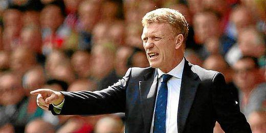 David Moyes dirigiendo un partido de su exequipo en la temporada pasada, el Everton.