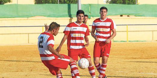 El Paradas no pudo evitar el descenso la pasada temporada después de una mala campaña en Primera Andaluza.