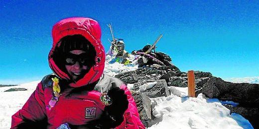 Lina Quesada en la cumbre de la montaña
