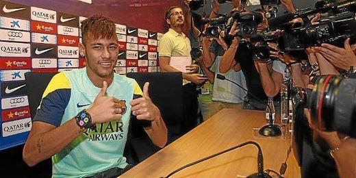 Neymar tras la rueda de prensa.