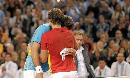 Rafa Nadal y Martín del Potro al finalizar un partido.