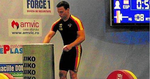 El hispalense Josué Brachi durante el desarrollo de una prueba.