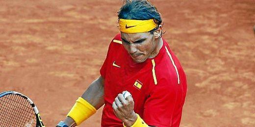 Rafa Nadal celebra la victoria en la Copa Davis.