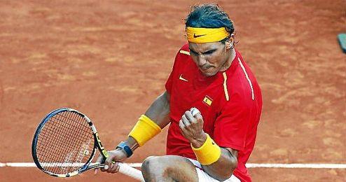 Nadal celebra la victoria en la final de la Copa Davis frente a Ucrania.