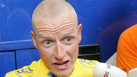 Rasmussen tras una etapa del Tour de Francia.