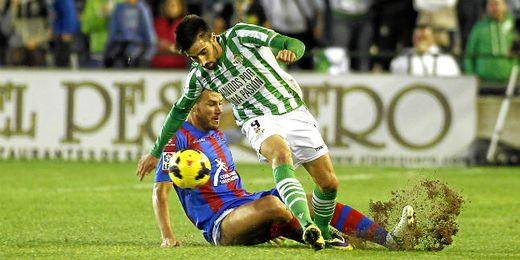 Betis 0-0 Levante: Ni de penalti levanta cabeza