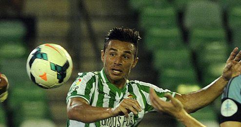 Rubén Castro reapareció como titular y erró dos goles.