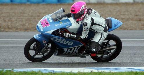 Ana Carrasco en tu motocicleta durante unos entrenamientos libres en Jerez.