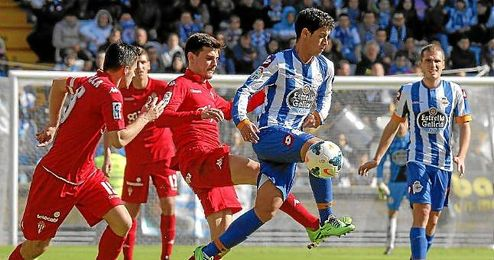 Salomao, con el Deportivo, en el partido ante el Sporting de Gijón.