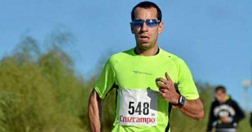 En la imagen Cortés Medina, excampeón iberoamericano de 800 metros lisos.