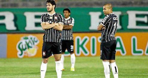 En la imagen, futbolistas de Corinthians