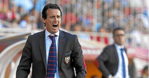 Emery, en el partido ante el Villarreal; seguirá la temporada próxima en Nervión.