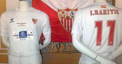 El Sevilla utilizará una equipación parecida a la de Eindhoven.