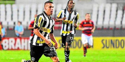 El centrocampista Gabriel Girotto, con la elástica del Botafogo brasileño.