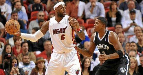 Lebron volvió a ser pieza clave para el triunfo de los Heat.