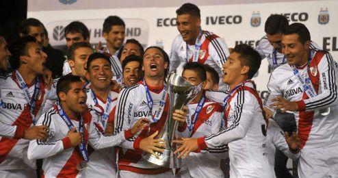 Los jugadores de River Plate celebran el título de liga.