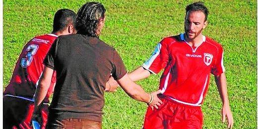 Óscar Rodríguez, con la elástica del Paniliakos griego, su equipo esta última temporada.