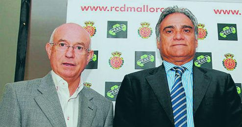 Serra Ferrer, junto a Biel Cerdá, presidente del Mallorca.
