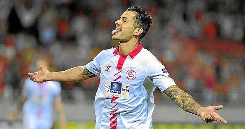 Vitolo celebra un gol ante el Oporto.