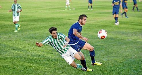 Lance del UCAM-Betis B del partido de ida.