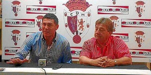 Francisco Sánchez, presidente de la entidad blanquinegra en la despedida del último técnico Alonso Ramírez.