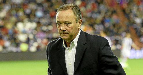 Juan Ignacio Martínez dirigiendo al Valladolid esta temporada.