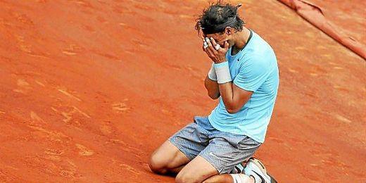 Rafa Nadal, emocianado tras vencer su noveno Roland Garros.