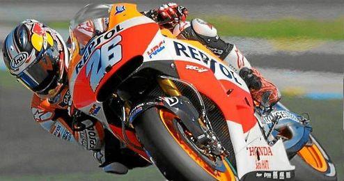 Dani Pedrosa, en la imagen sobre su Honda, ha logrado la ´pole´ en el GP de Cataluña.