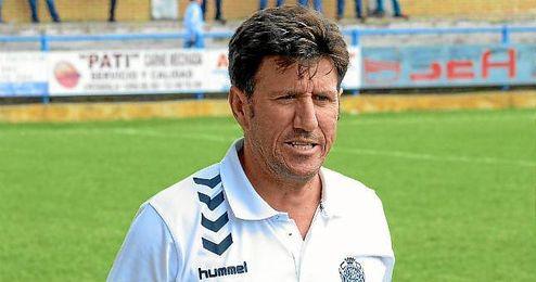 Diego Román no sigue en el Cabecense, y el club sigue sopesando las alternativas.