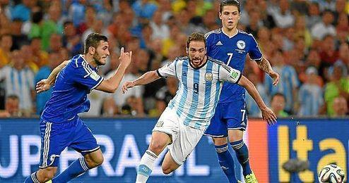 Gonzalo Higuaín, en el partido de Argentina frente a Bosnia-Herzegovina.