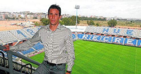 Juan Merino entrenó al Recreativo, junto a Carlos Ríos, durante parte de la temporada 2010/2011