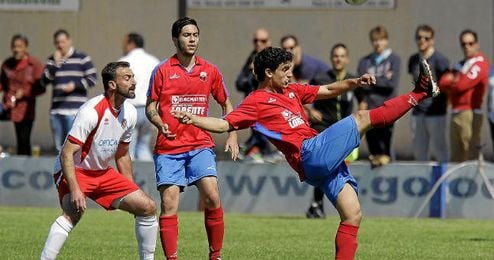 Lance del encuentro de la pasada temporada entre el Puebla C.F. y el Albaida.