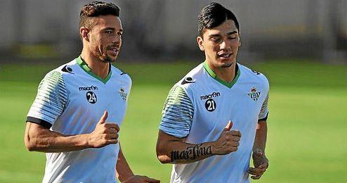 Rubén Castro y Lolo Reyes durante un entrenamiento.